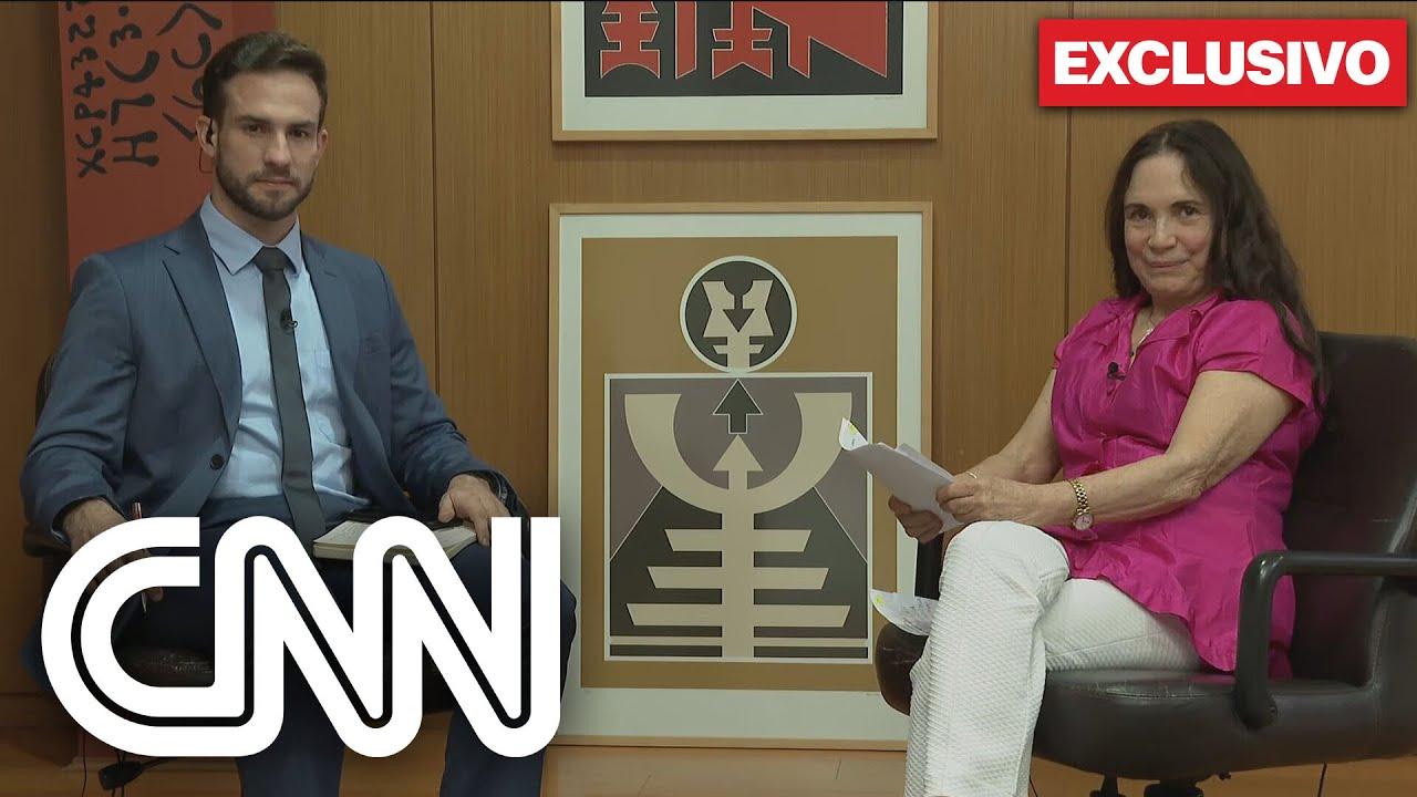 Notícias - Exclusivo: Regina Duarte minimiza ditadura e interrompe entrevista à CNN - online