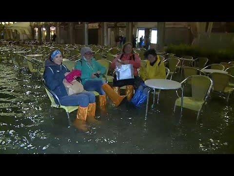 شاهد: ارتفاع منسوب المياه في البندقية الساحرة يغرق شوارعها وساحاتها…  - 18:53-2019 / 5 / 19
