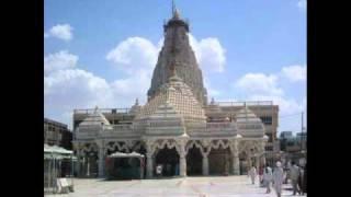Download Hindi Video Songs - Aasmana Rang Ni Chundadi.flv