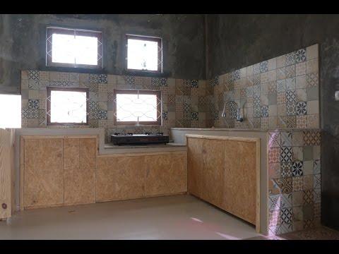 Dapur Instagramable Perpaduan Waferboard Bekas Dengan Keramik Habitat Victoria