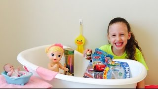 Bath Time Fun With Baby Alive & Toy Surprises! Toy Reviews For Kids! by New Toy Collector Family!