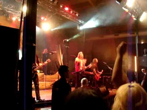 HammerFall - Heeding The Call (live)
