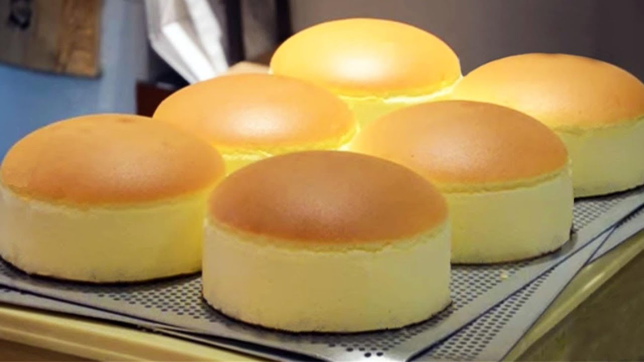 Jiggly Fluffy Japanese Cheese Cake