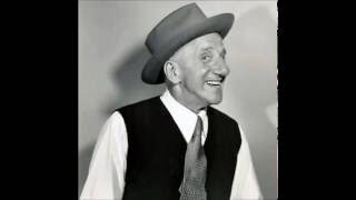 Sung by Jimmy Durante. Note. The audio is within the Public Domain.