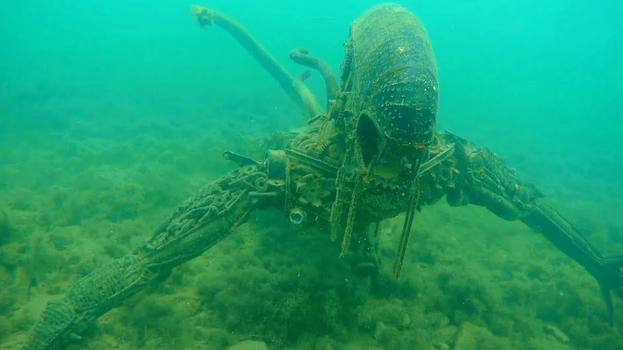 15 Strangest Things Found By Deep Sea Divers