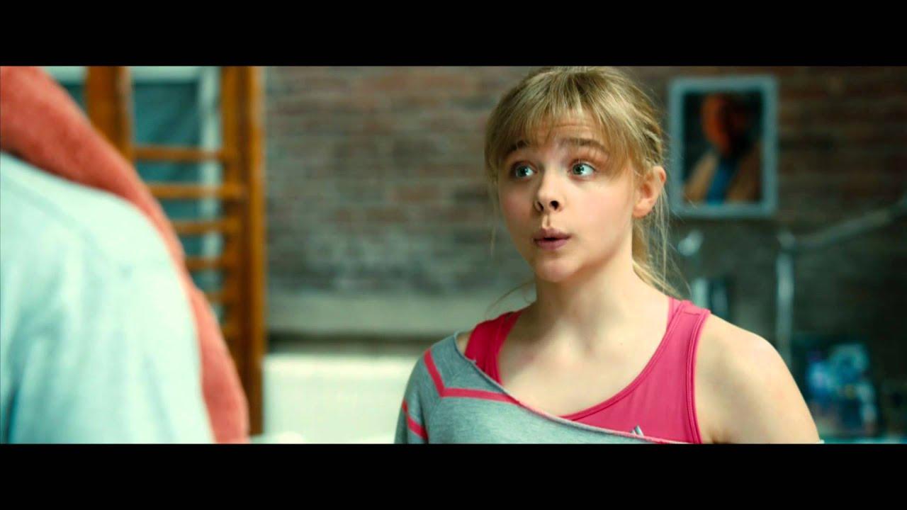 Aas Girl Wallpaper Kick Ass 2 Con Un Par Chloe Grace Moretz Es Hit Girl