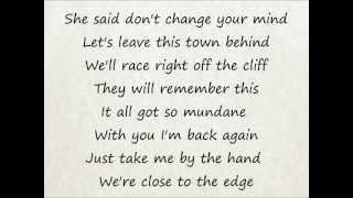 We The Kings - Skyway Avenue (Lyrics)