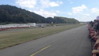 VW T5 MTM 2,5 TFSI vs. VW Golf 2 Race at Airport Vilshofen 2015