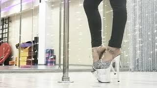 Уроки Exotic pole dance, Frame Up, Стриппластика от Dance Choice