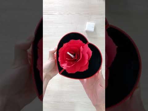 Love band ring + love shape box