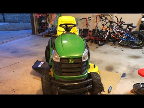 maintenance-on-john-deere-d130-lawn-tractor