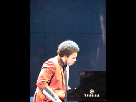 Elew, live in concert, opening for Josh Groban
