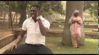 Download Video Umar M Shareef - Bazan Barki Ba (official music videos) MP3 3GP MP4