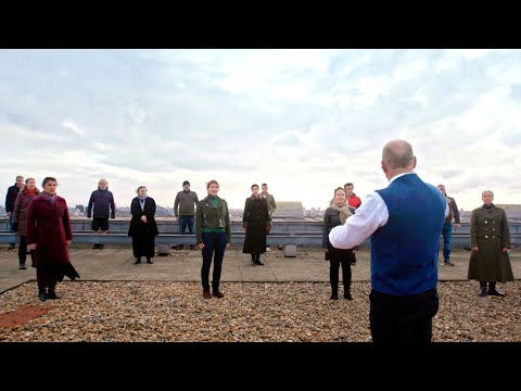 'Va, Pensiero' from Nabucco, performed high above London (Verdi; Royal Opera Chorus)