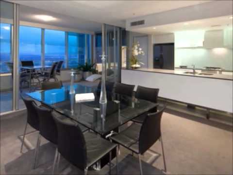 Q1 Three Bedroom Skyrise Spa Apartment Wmv