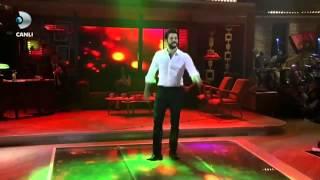 Burak Özçivit'ten Zeybek Performansı- Beyaz Show 23 Ocak 2015