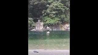 屋久島の宮之浦川、河口部でのカヤックツアーの様子です。 屋久島の透明...