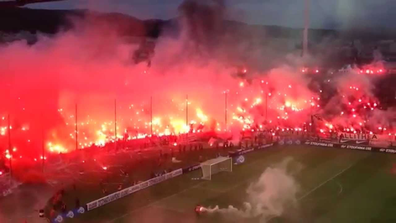 Paok Olympiakos: PAOK Pyroshow Vs. Olympiakos (Amazing Pyroshow By PAOK