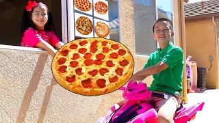 Pizza Drive Thru Pretend Play with Jannie and Andrew | Kids Bake and Deliver Pizza Food Toy Store