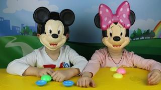ალექსანდრე და ანასტასია თამაშობენ მიკი მაუსის ჯადოსნური ტყლარწით რომელიც მათ სურვილს შეასრულებს