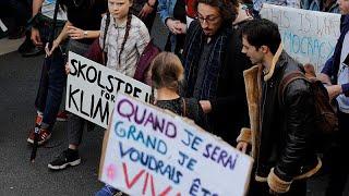 Greta y su revolución verde moviliza a mil jóvenes en París