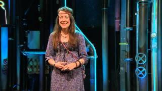 Comedy-Laborantin Lisa Cantena