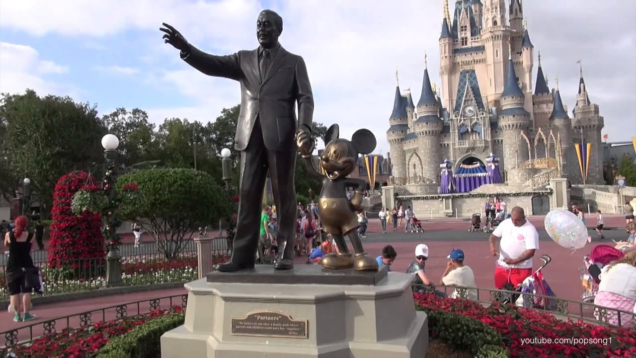 Disney world christmas decorations - Magic Kingdom November 6th 2013 Walt Disney World Christmas Decorations