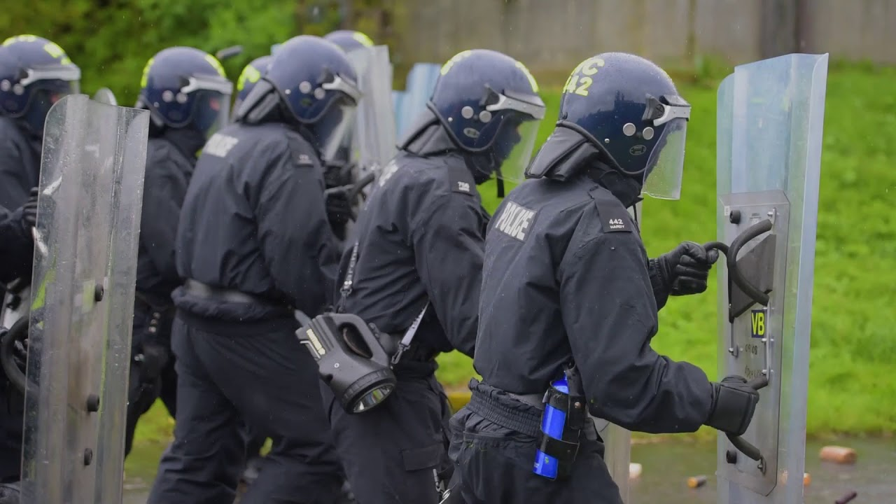 Public Order Training IS IT ANY WONDER WHY MEMBERS OF THE PUBLIC ARE UNLAWFULLY  KILLED!!