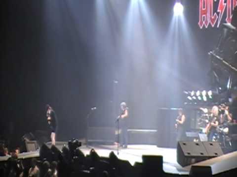 ac/dc-back-in-black-live