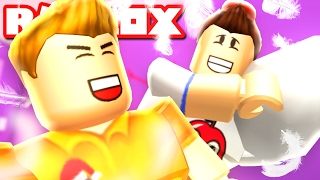 PILLOW FIGHTS in ROBLOX