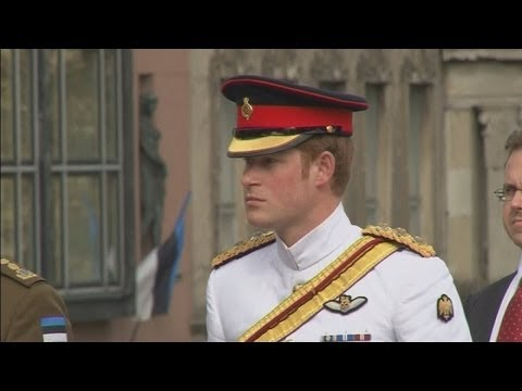 Prince Harry pays tribute to Estonia's soldiers during visit