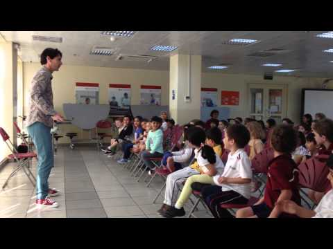 Story teller induces enthusiastic joint speech in primary school children