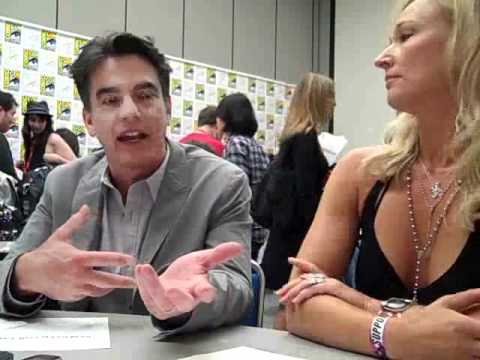 COVERT AFFAIRS: Kari Matchett & Peter Gallagher At Comic Con 2011