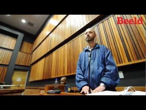 Die vermeende Sondagverkragter, Jaco Steyn, uig in die hof.