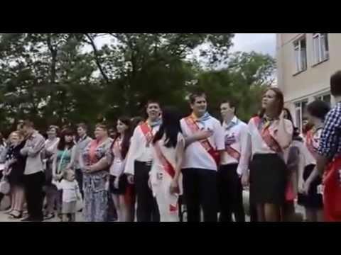 Ukraine War - Graduates singing Ukrainian anthem in annexed Crimea