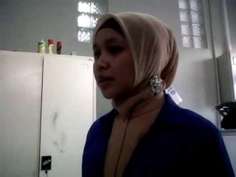 Cara Hijab Segi Empat Pegawai Bank Gamis Kombinasi