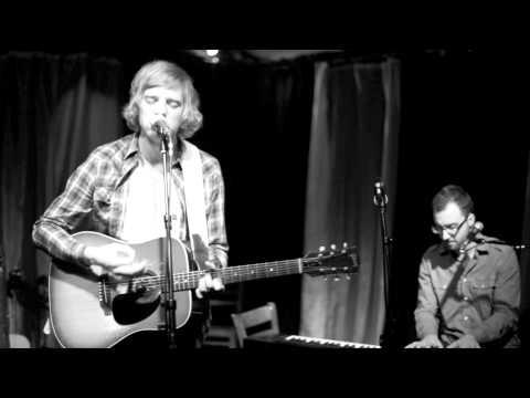 """Andrew Belle - """"Sky's Still Blue"""" at Nashville Sunday Night"""