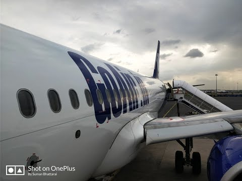 Landing at Lucknow Airport - Go air Delhi- Lucknow Flight