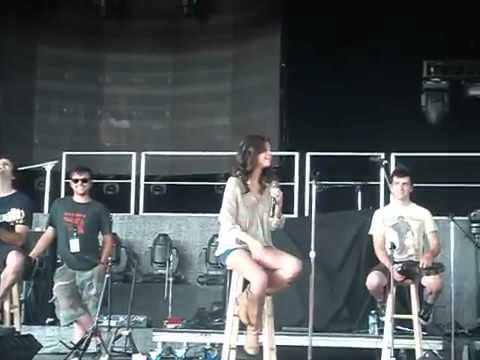 Selena at the PNC soundcheck (August 19, 2011)
