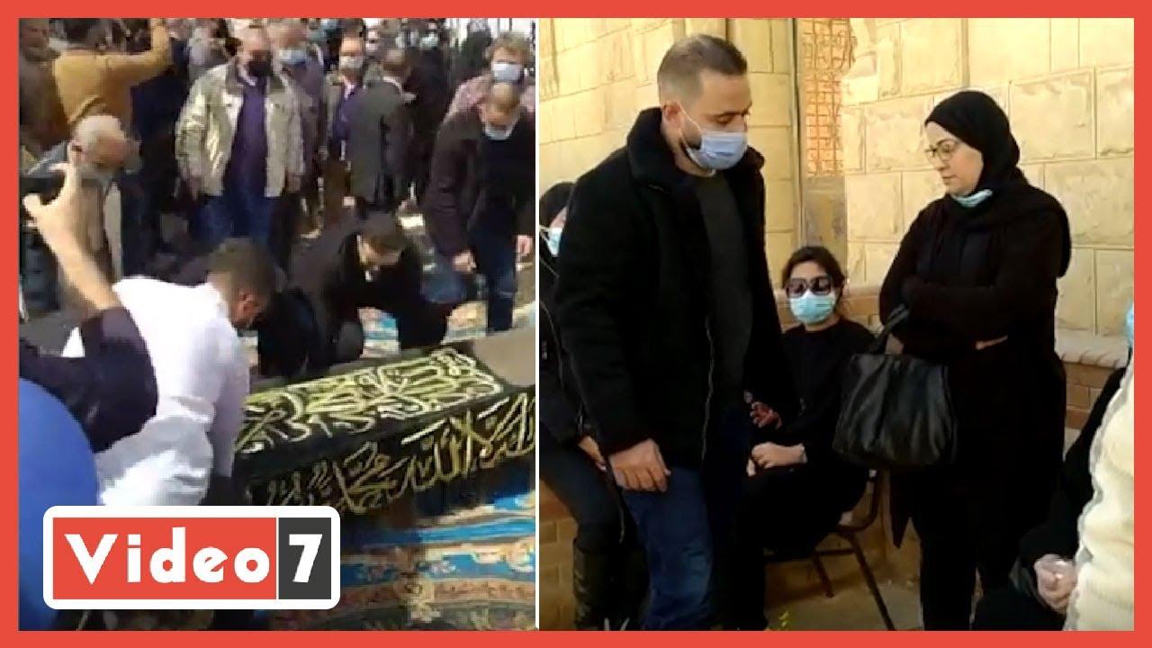 لحظات الوداع الأخير للفنان الراحل يوسف شعبان.. ماذا حدث في جنازة الفنان الكبير؟  - 18:59-2021 / 3 / 1