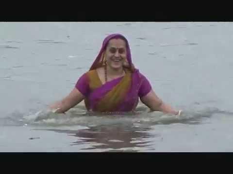 শেরপুরের কালীদহ সাগরে হিন্দু ধর্মাবলম্বীদের বারুনী স্নান