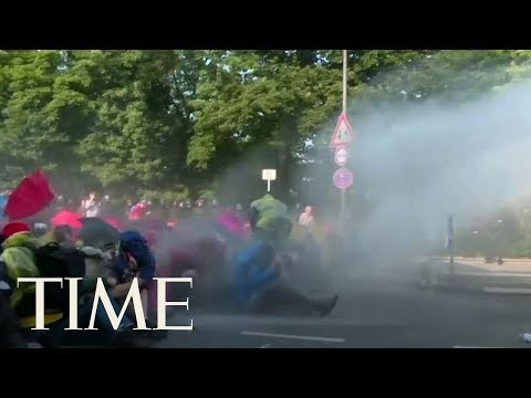 More Clashes Between Protestors And Police Ahead Of G20 Summit Opening In Hamburg, Germany | TIME