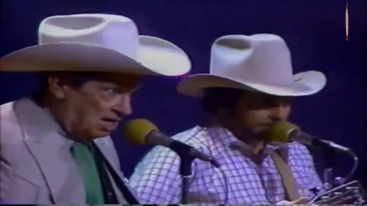 High Quality Ernest Tubb U0026 Merle Haggard   Walking The Floor Over You(LIVE)