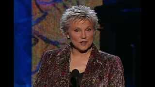 anne murray is inducted into the canadian songwriters hall of fame cshf