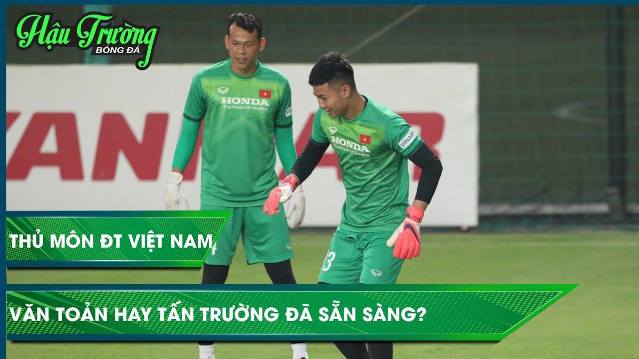 Toàn cảnh thủ môn ĐT Việt Nam: Tấn Trường, Văn Toản, Văn Phong luyện tập trong cơn mưa