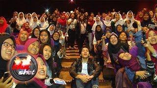 Video Tayang Perdana, Film 'Something In Between' Disambut Antusias Penonton - Hot Shot 28 September 2018 download MP3, 3GP, MP4, WEBM, AVI, FLV Oktober 2018