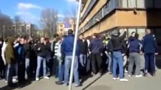 Драка фанатов Зенит vs Спартак в переулке в Питере