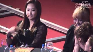 "[Fancam] 101209 SNSD Yuri - ""My Hair ...??"" @ 2010 Golden Disk Awards - Stafaband"
