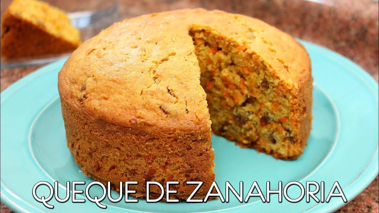 Queque De Zanahoria Revolver bien y añadir un poco de agua si fuese necesario (la masa de los queques debe quedar humeda y cremosa). queque de zanahoria