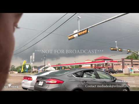 Malakoff, TX Tornado Warned Storm Moves Through Town Tornado Sirens 4 29 2017